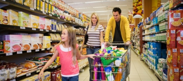 Ceny medziročne klesli, zlacneli najmä potraviny a nealko