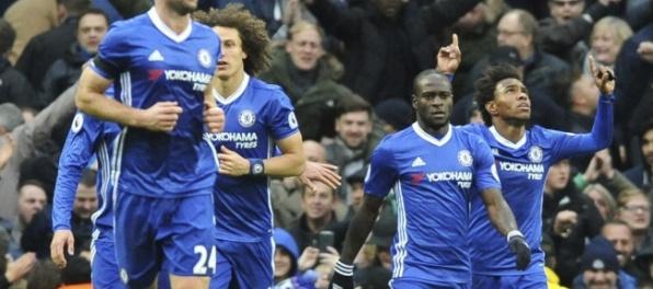 Video: Chelsea s 10. výhrou za sebou, je pevnejšie v sedle
