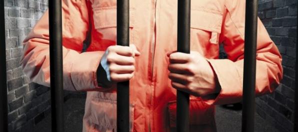 Väzni v Birminghame sa vzbúrili, zasiahol špeciálny útvar