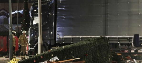 Video: Útok v Berlíne, kamión sa vrútil na vianočné trhy