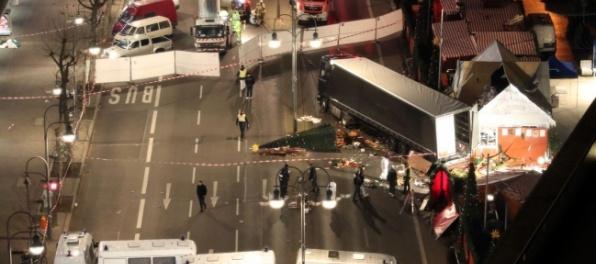 Foto: Do davu na vianočných trhoch v Berlíne vrazil kamión