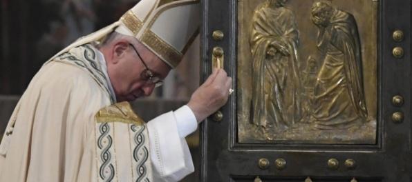 Pápež udelil milosť kňazovi odsúdenému v kauze Vatilieaks II