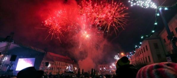 Silvestrovský ohňostroj bude v Banskej Bystrici o deň neskôr