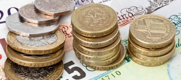 Britská libra po ohlásení predčasných volieb výrazne posilnila