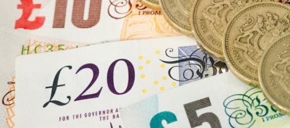 Britská libra v utorok voči doláru výrazne posilnila