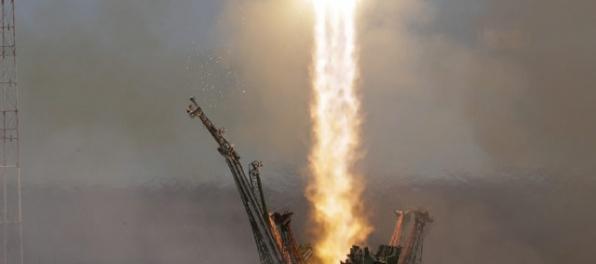Aktualizované: Sojuz priviezol na ISS nových členov posádky: Rusa a Američana