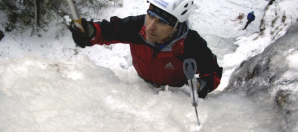Peter Hámor si nasadil na Dhaulágirí Korunu Himalájí