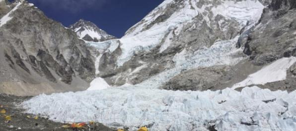 Štyria horolezci, ktorých telá sa našli na Mount Evereste, zahynuli ešte vlani