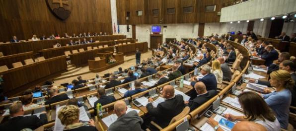 Kancelária parlamentu berie kauzu údajného čítania listových zásielok ako uzavretú tému