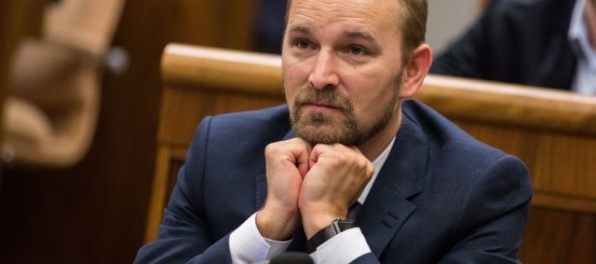 Vládny zlepenec neváha použiť k voľbe fašistov, reaguje Viskupič na zvolenie Rezníka za šéfa RTVS