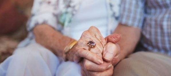 V Česku žije vyše 500 ľudí starších ako sto rokov, najstaršou je žena z Prahy