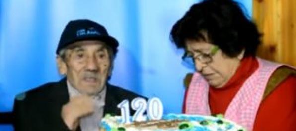 Video: Najstarší človek na svete žije v Čile, údajne má 121 rokov