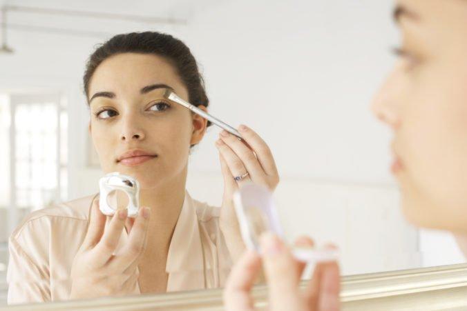Hygienici varujú pred škodlivou kozmetikou, zistili prítomnosť nielen ťažkých kovov