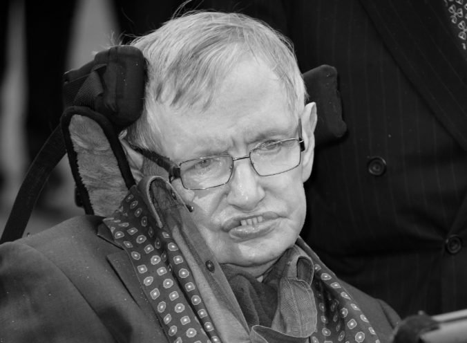 Vo veku 76 rokov zomrel teoretický fyzik Stephen Hawking