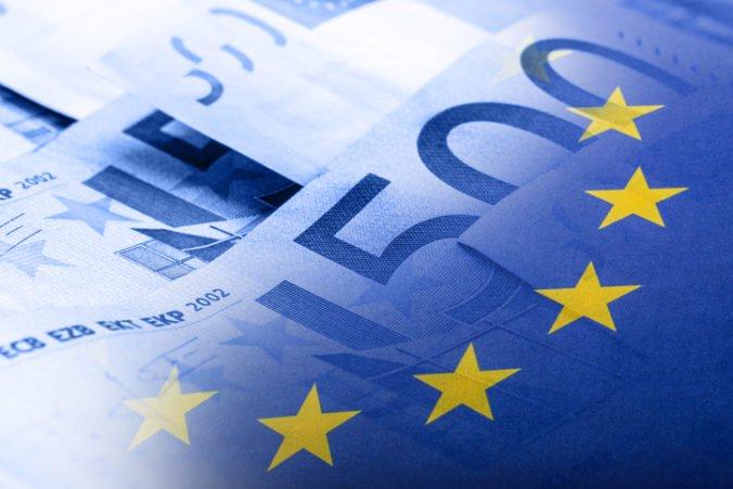 Europarlament chce v spoločnom rozpočte aj príjmy z nových daní, príspevky krajín by sa znížili