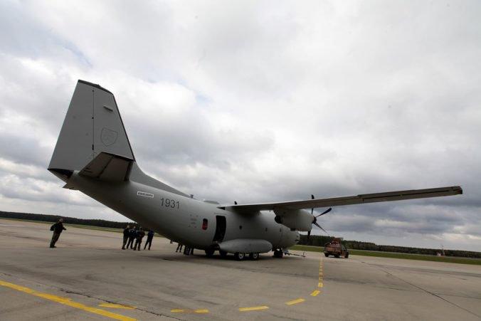 Nové lietadlo Spartan už priviezlo slovenským vojakom na Cypre materiál