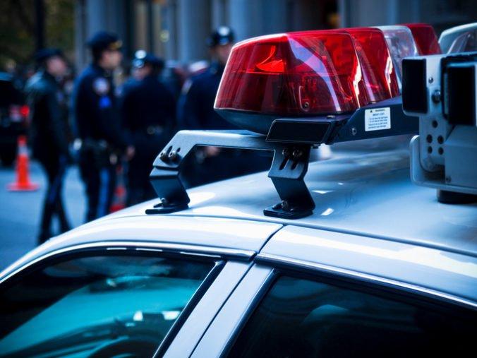 Osemročný školák zaútočil na svojich spolužiakov kuchynským nožom, zranil tri deti