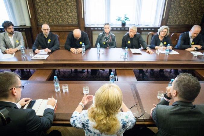 Ministerka Laššáková neodstúpi, svojich odporcov chce presvedčiť prácou