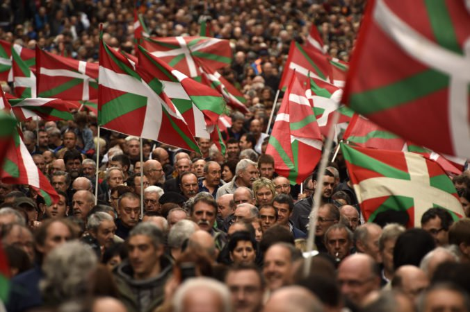 Baskickí separatisti z ETA sa ospravedlnili za spáchané zločiny, útoky by sa nemali opakovať