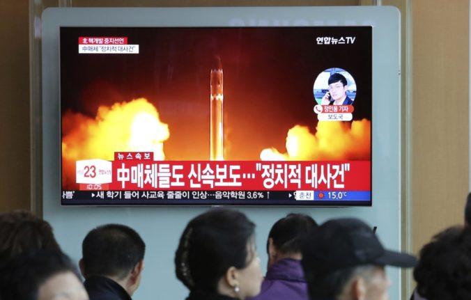 Severná Kórea zastavila jadrové a raketové testy, zamerá sa na mier na Kórejskom polostrove