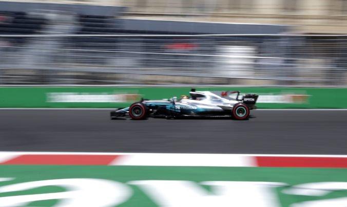 Video: Formula 1 pokračuje na mestskom okruhu v Baku, na programe je Veľká cena Azerbajdžanu