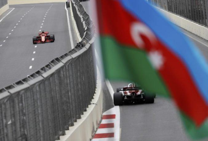 Tretiemu tréningu pred Veľkou cenou Azerbajdžanu kraľovalo Ferrari, Vettel zdolal Hamiltona