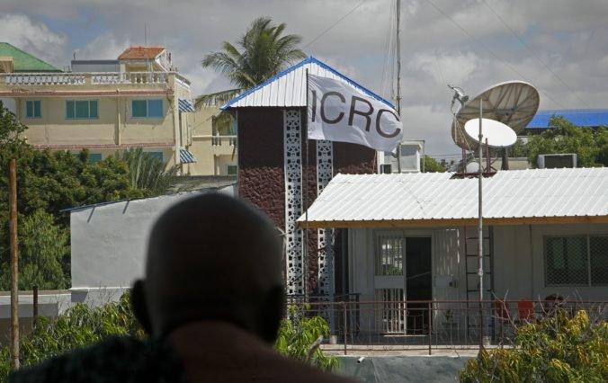 Ozbrojenci vtrhli do budovy Červeného kríža v Somálsku a uniesli nemeckú zdravotnú sestru