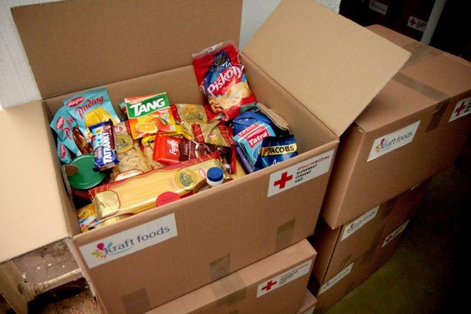 Počet poberateľov balíčkov potravín klesá, ministerstvo ich chce dať aj príjemcom hmotnej núdze