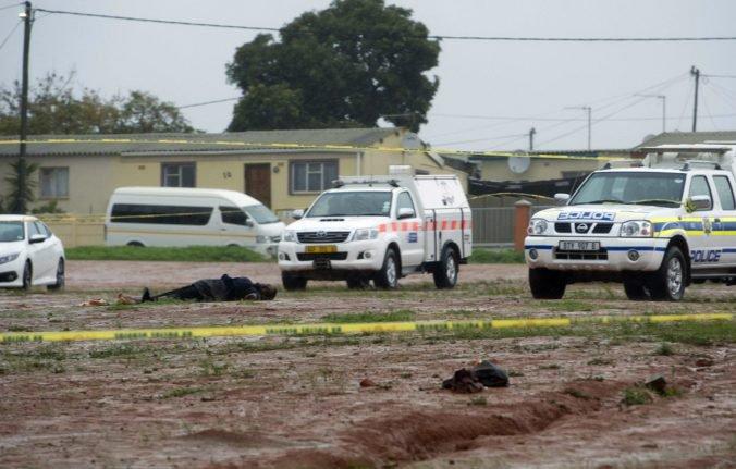 Polícia zneškodnila útočníka, ktorý na smrť dobodal ľudí v mešite