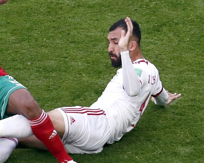 Pre iránskeho obrancu Cheshmiho sa MS vo futbale 2018 predčasne skončili, zranil sa na tréningu