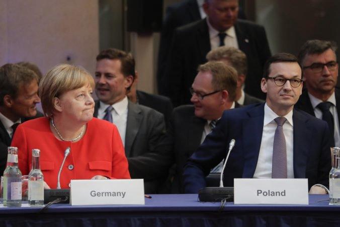 Morawiecki chce zastaviť špirálu obchodnej vojny, Poľsko vidí ako most medzi Úniou a USA