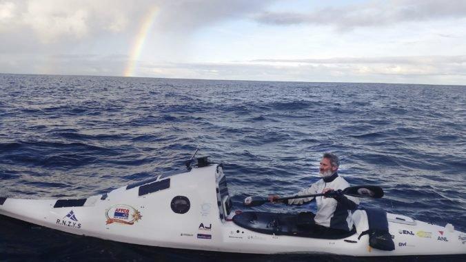 Scott ako prvý človek prekonal Tasmanovo more na kajaku, vzdialenosť prekonal za dva mesiace