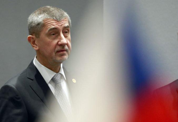 Demonštranti si v Prahe uctili obete komunizmu a vyjadrili nesúhlas s vládou Andreja Babiša