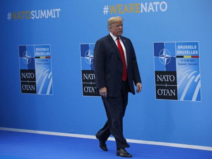 Kanada chce viesť výcvik jednotiek NATO v Iraku, Trump začal summit verbálnym útokom voči Nemecku