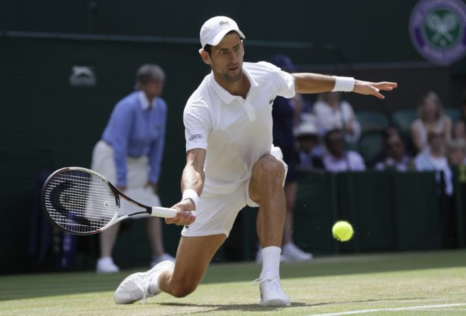 Novak Djokovič stratil set, ale po troch rokoch si zahrá semifinále Wimbledonu