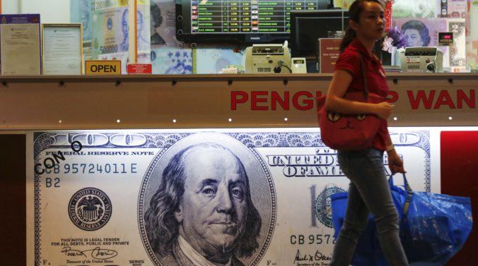 Plánované clá na čínsky dovoz oslabili dolár voči jenu, pohoršilo si aj euro