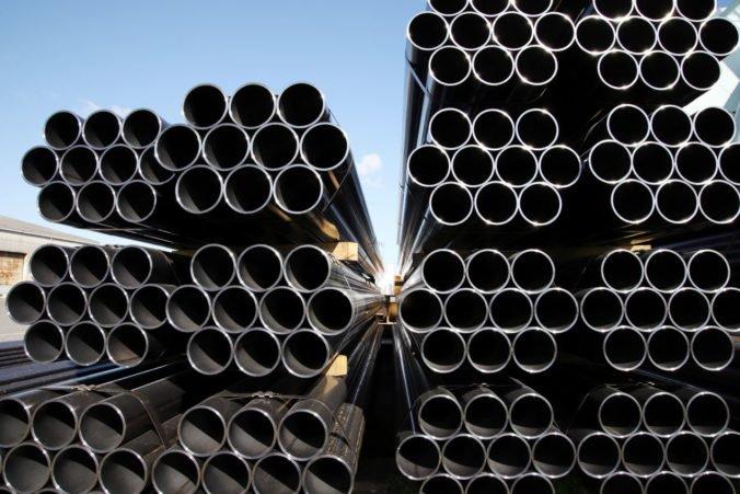 Európska únia chce predísť nadmernému dovozu ocele z USA, prijala predbežné opatrenia