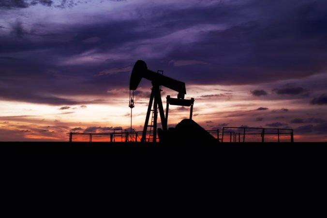 Cena ropy sa zvýšila o jedno percento, polepšil si aj benzín