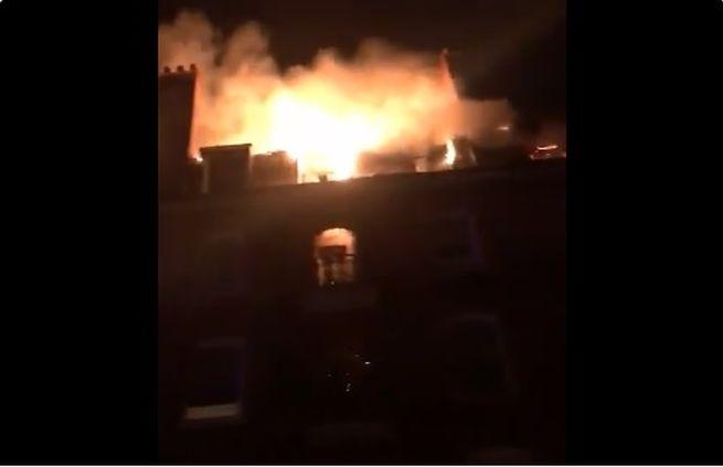 Video: Bytový dom v Londýne zachvátil mohutný požiar, evakuovali desiatky ľudí