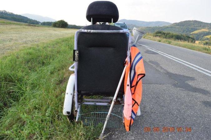 Foto: Vodič Dacie predbiehal trojkolesový vozík cez plnú čiaru, nehodu neprežil 54-ročný muž
