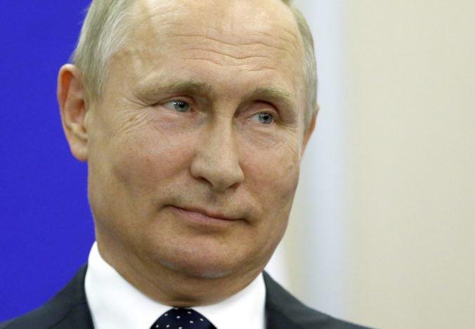"""Prezident Putin si cestou do Berlína """"odskočí"""" na svadbu rakúskej ministerky zahraničia Kneissl"""