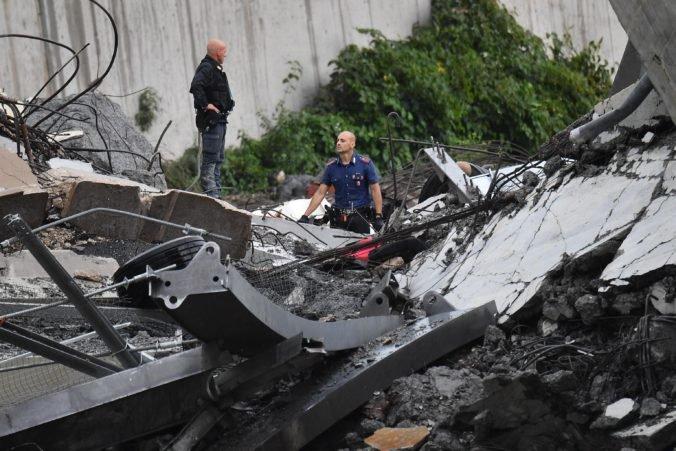 Talianska vláda vyhlásila po páde mosta v Janove výnimočný stav, hľadá novú diaľničnú spoločnosť