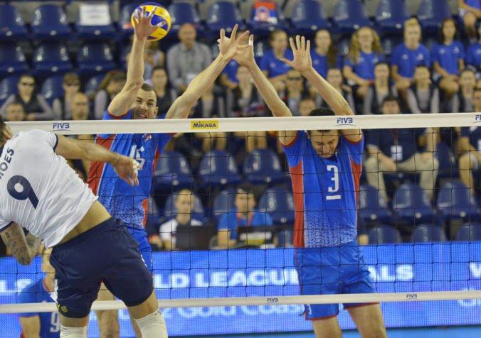 Slovenskí volejbalisti idú s veľkým odhodlaním vybojovať dôležité víťazstvo proti Čiernej Hore