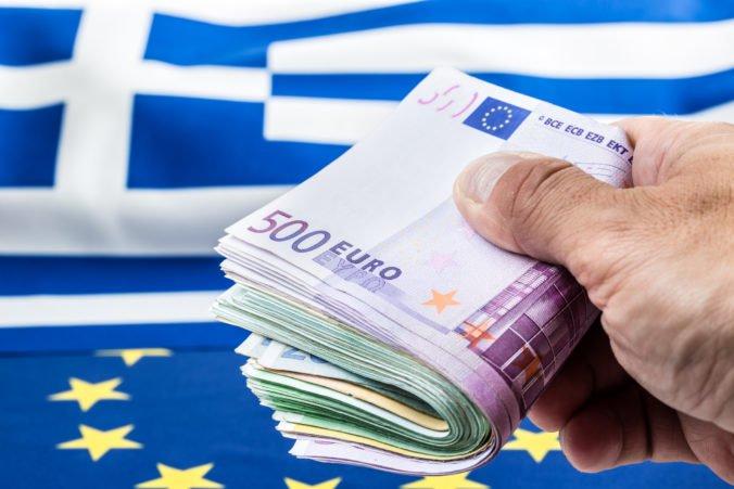 Grécko opúšťa medzinárodný záchranný program, hrozbou zostáva obrovský verejný dlh