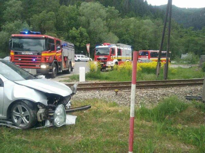Železnice pripomínajú ľuďom počínať si na priecestiach opatrne, o život prišla ďalšia osoba