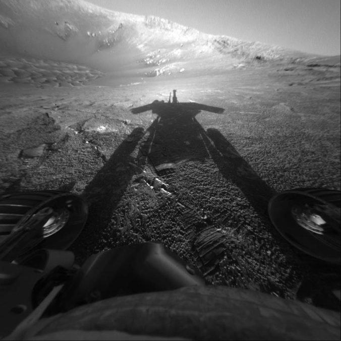 NASA sa snaží prebudiť rover Opportunity po silnej piesočnej búrke na Marse