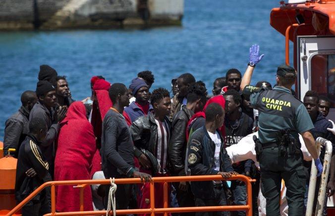 Do Španielska sa cez Stredozemné more dostalo omnoho viac migrantov ako vlani, tvrdí Frontex