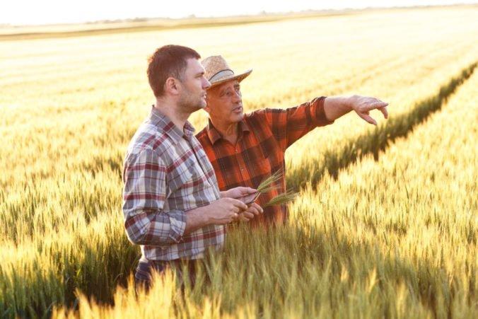 Prístup menších farmárov k pozemkom by sa mohol zjednodušiť, poslanci prerokovali novelu zákona