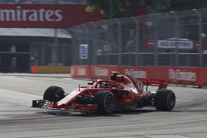 Räikkönen triumfoval v druhom tréningu pred Veľkou cenou Singapuru, Vettel nedokončil