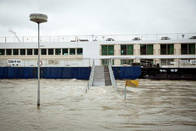 Pri povodniach v štáte Sinaloa zahynuli najmenej traja ľudia, úrady vyhlásili mimoriadnu situáciu